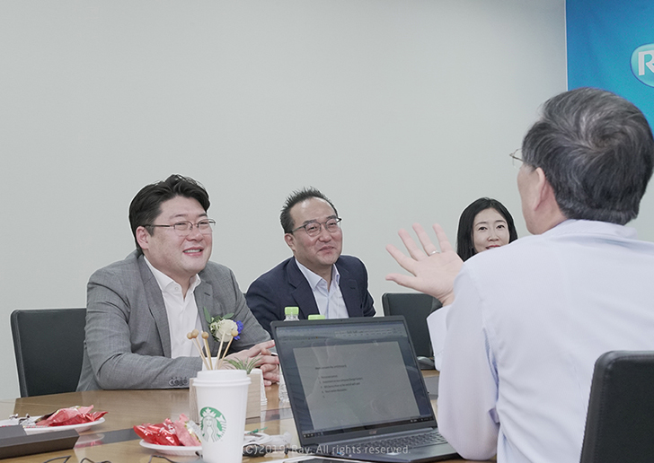 Signing Ceremony of Strategic Investment Between Ray and Inteware